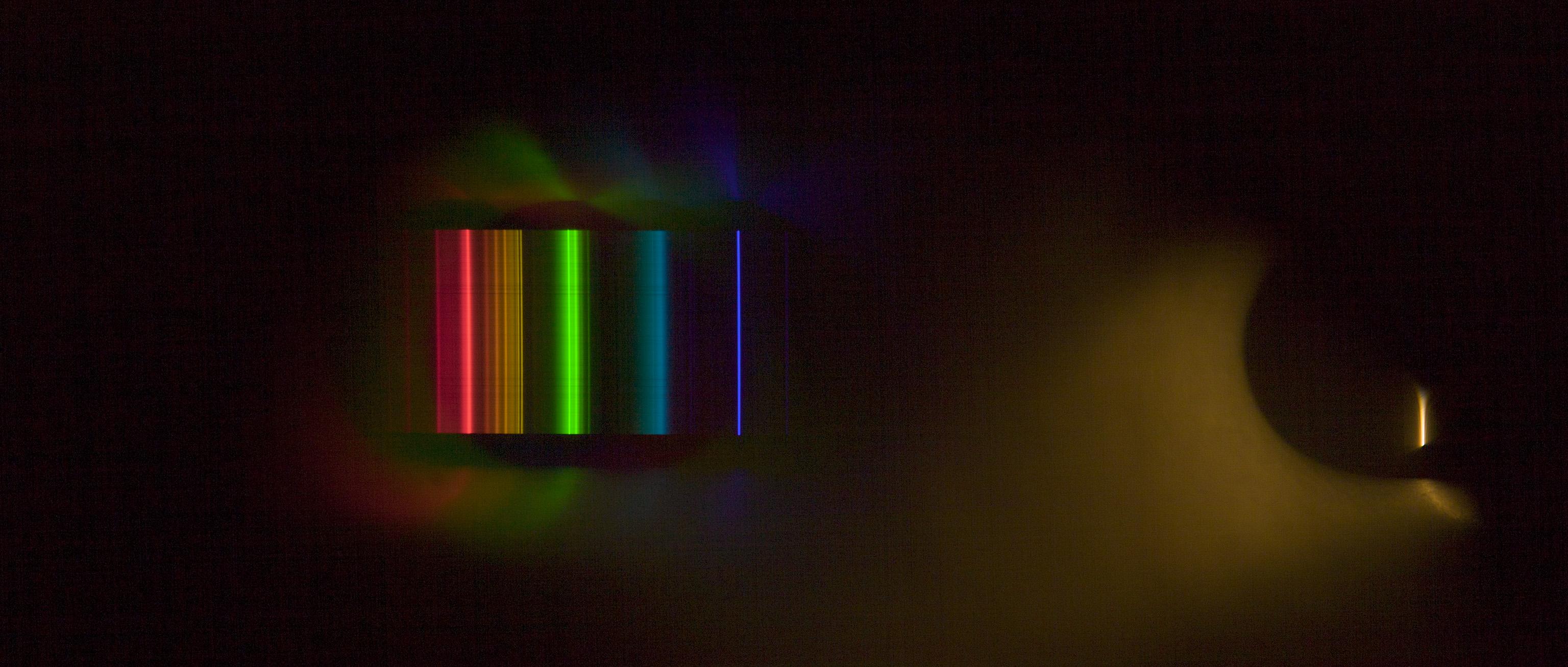 http://www.thomasmansencal.com/Sharing/Spectroscope/Philips_Softone_001.jpg